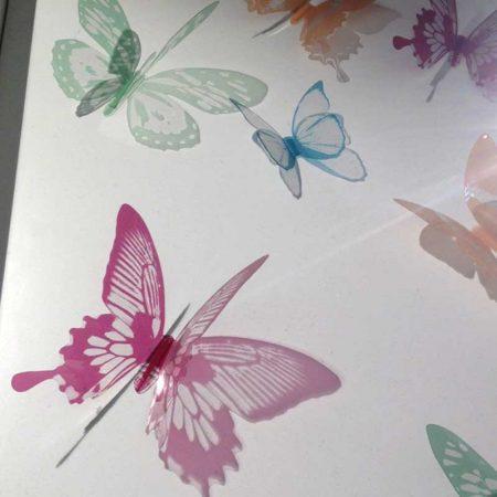 mariposas-barabtas-plastico-color-tienda