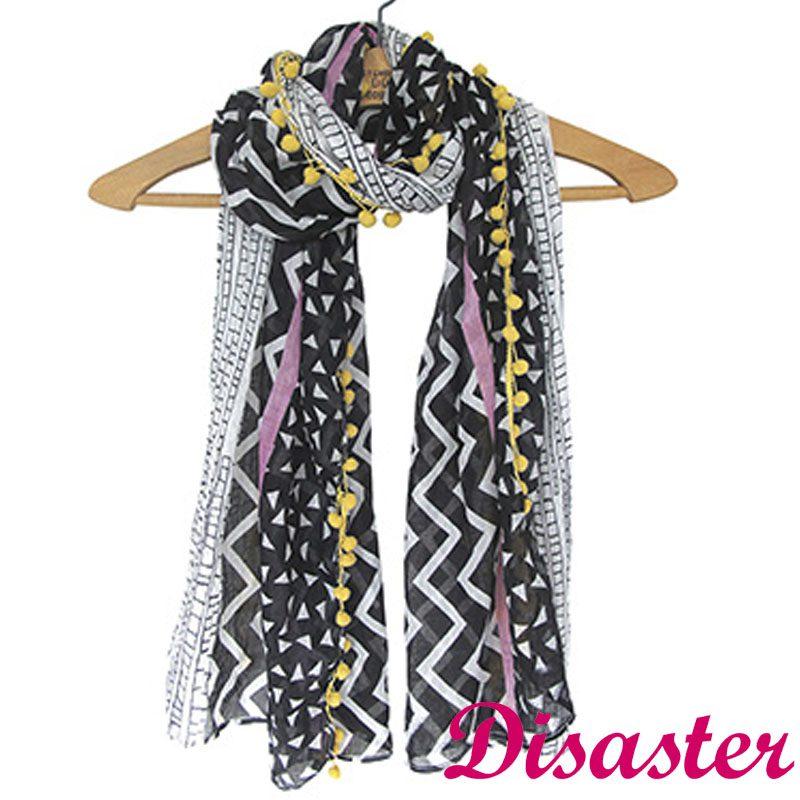 foulard-blanco-negro-pompones-amarillos