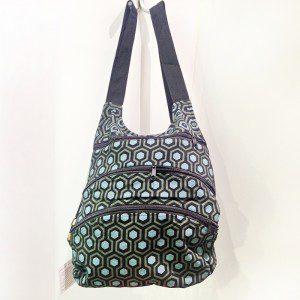 bolso mochila multibolsillos negro y verdes