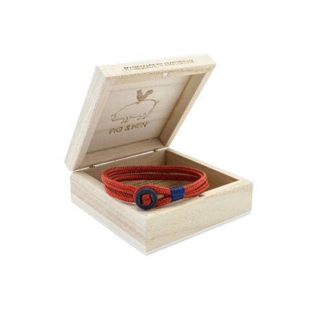 pulsera hombre pig and hen Don Dino con correa rojo coral con cierre de botón negro en caja