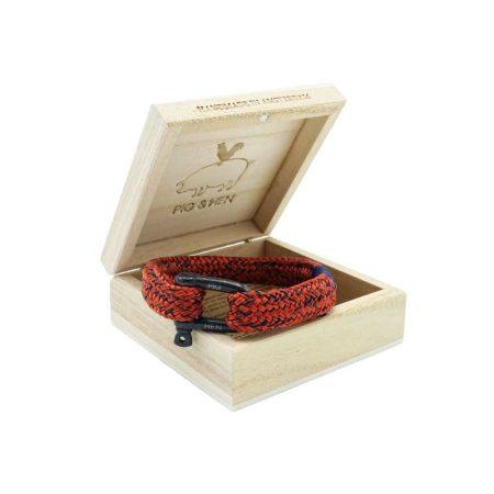 pulsera hombre pig and hen Gorgeous George con correa Rojo coral y azul marino con cierre de gancho negro en caja