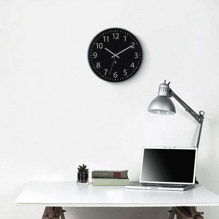 Reloj de pared Perftime negro de Umbra