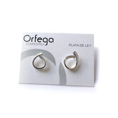 Pendientes en plata de ley de diseño Orfega colección Senia cierre de tuerca Medianos original
