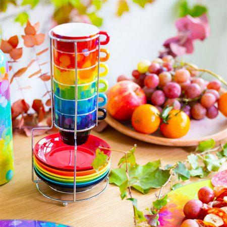 Tazas de café de colores apilables con plato de pylones en torre de acero inoxidable modelo Paleta de Pintor